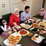 Rindu Momen Makan Bersama Dengan Keluarga?