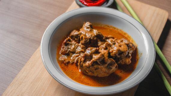 Yang Nikmat Belum Tentu Halal,Makan Kari Kambing Di Alpermata Medan,Enak Dan Halal
