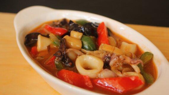 Pencinta Seafood Wajib Cobain Cumi Paprika Jamur Paling Disukai Di Medan
