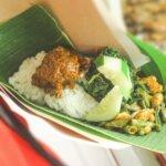 Nasi Bungkus Nikmatnya Dimakan Berbungkus Bungkus